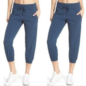 Zella out and about capri jogger pants blue L